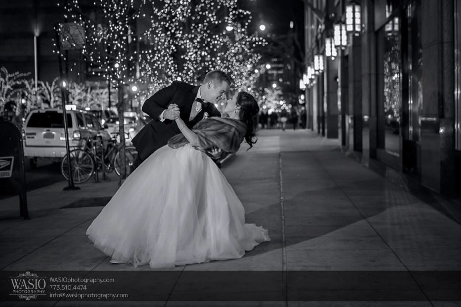 knickerbocker-hotel-wedding-epic-michigan-avenue-dip-fur-lights-action-24-931x621 Knickerbocker Hotel Wedding - Carrie + John