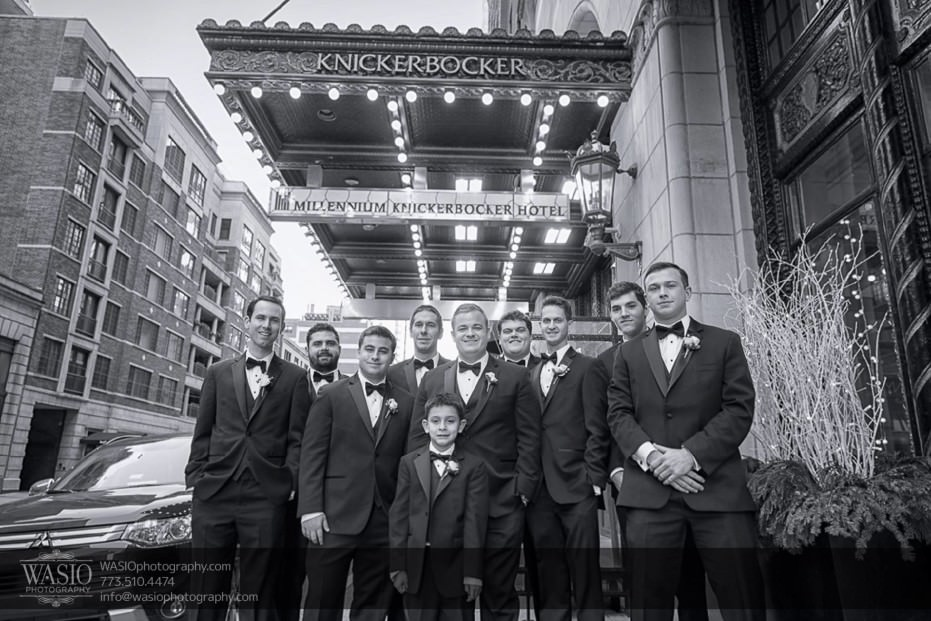 knickerbocker-hotel-wedding-groomsmen-portrait-outdoor-fun-party-14-931x621 Knickerbocker Hotel Wedding - Carrie + John