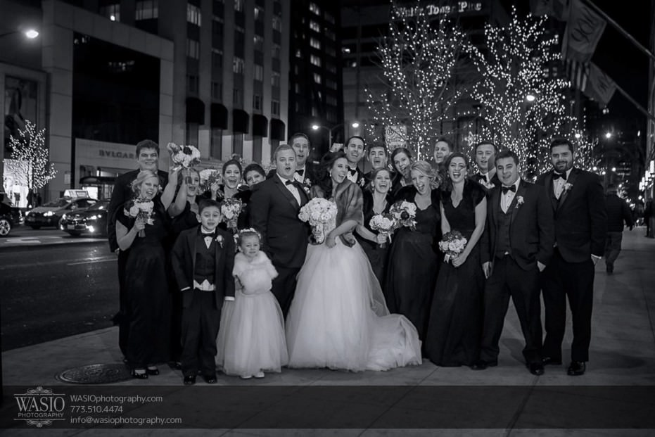 knickerbocker-hotel-wedding-group-wedding-party-downtown-michigan-avenue-christmas-lights-22-931x621 Knickerbocker Hotel Wedding - Carrie + John