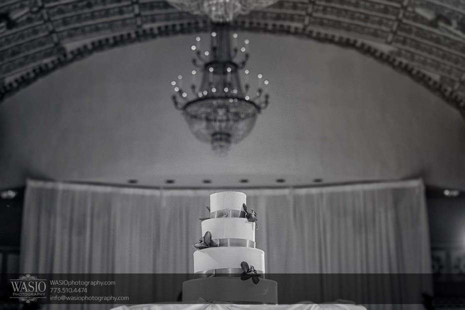 knickerbocker-hotel-wedding-wedding-cake-chandelier-28-931x621 Knickerbocker Hotel Wedding - Carrie + John