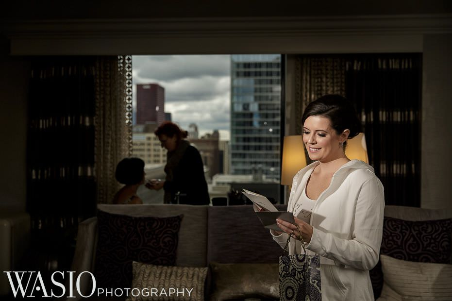 renaissance-chicago-downtown-hotel-wedding-bridal-photo-happy-65 Renaissance Chicago Downtown Hotel Wedding - M & M
