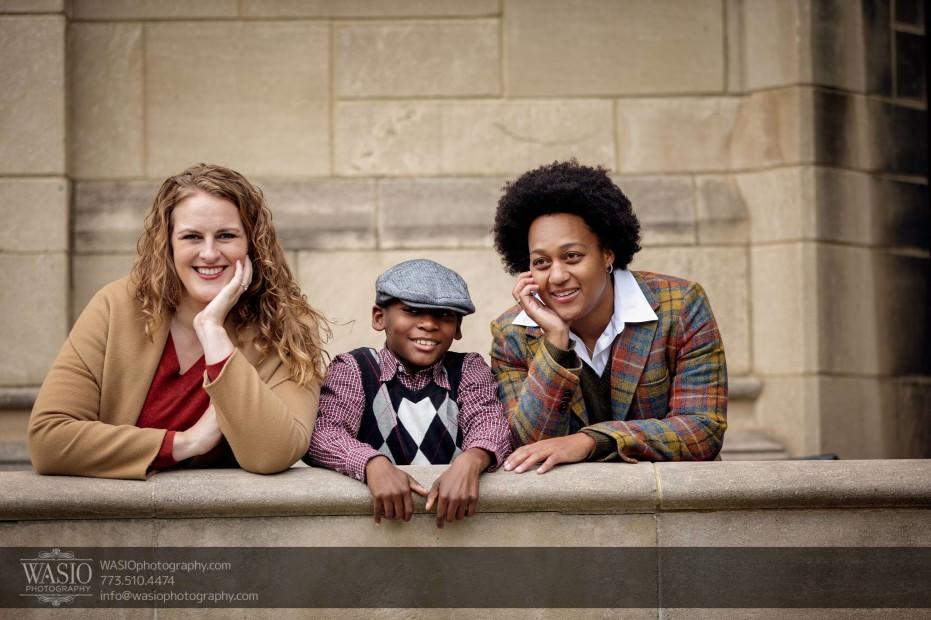 same-sex-engagement-family-photo-_41-931x620 University of Chicago same sex engagement - Olivia + Givonna