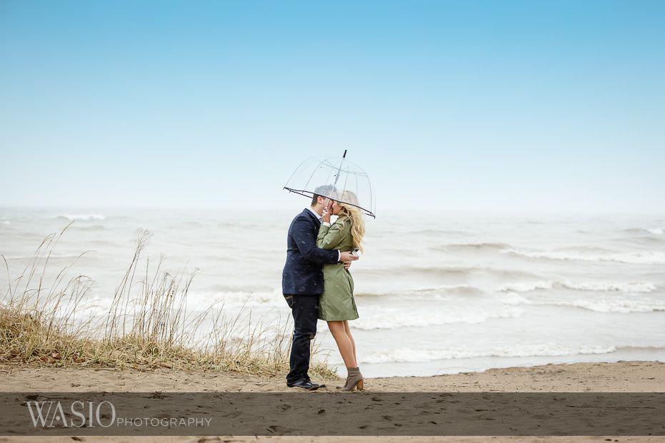 surprise-beach-proposal-pasionate-kiss-breathtaking-love-55 Surprise Beach Proposal - Paula + Josh