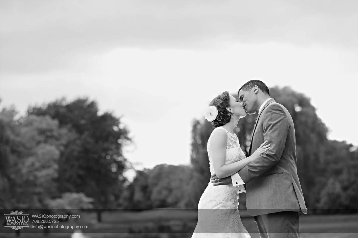 wedding-black-white-kiss-love-country-club Chevy Chase Country Club Wedding - Elizabeth & Michael