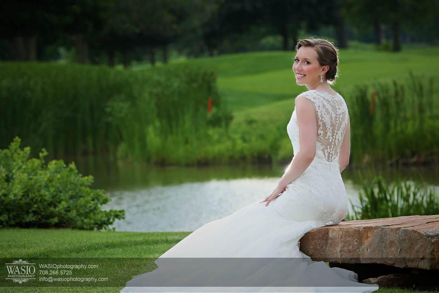 wedding-chicago-bride-portrait-golf-club-chevy-chase Chevy Chase Country Club Wedding - Elizabeth & Michael