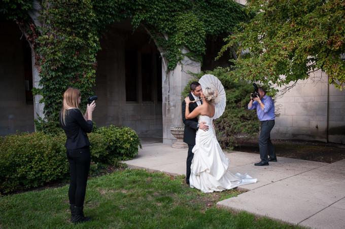 wedding-photography-behind-the-scene-1-680x452 Wedding Photography Tips - Imitating Sun