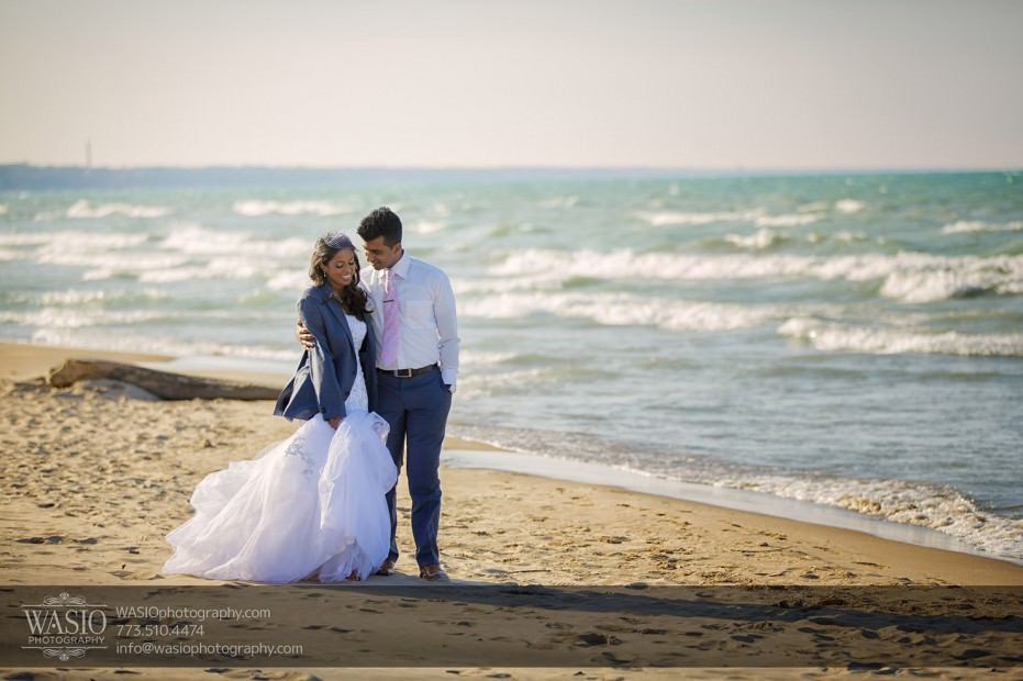 wedding-portrait-location-photography-Indian-Lake-Spring-Love-Bride-Groom-Beach-walking-024-931x620 Chicago Indian Wedding  - Cheryl + Brian