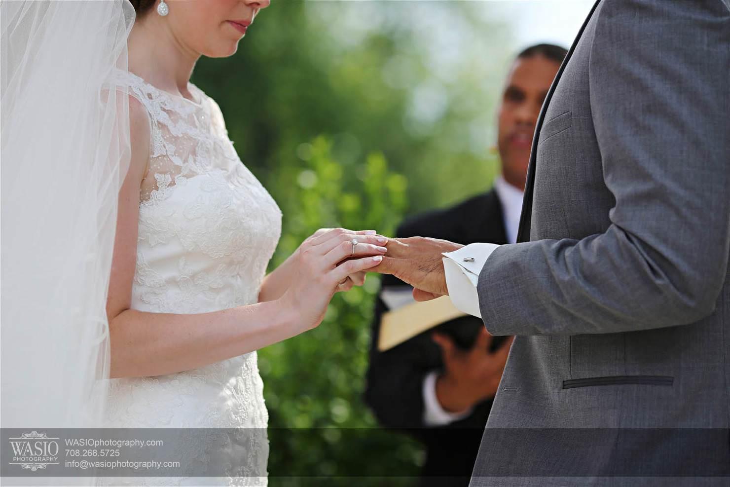 wedding-wasio-ceremonii-ring-vows Chevy Chase Country Club Wedding - Elizabeth & Michael